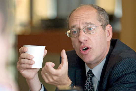 The FTC, under Chairman Jon Leibowitz, aims to police blogger freebies.