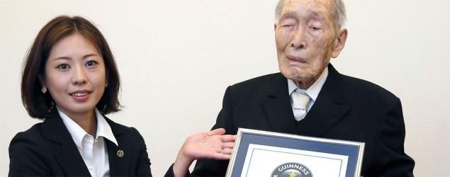 El nuevo hombre más viejo del mundo. (AP)