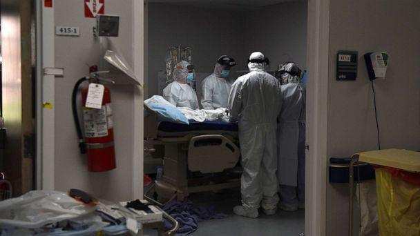 PHOTO: Medical workers preparing to intubate a patient with COVID-19 at the COVID-19 Intensive Care Unit at Houston Joint Memorial Medical Center, June 29, 2020 (Callaghan O'Hare / Reuters)