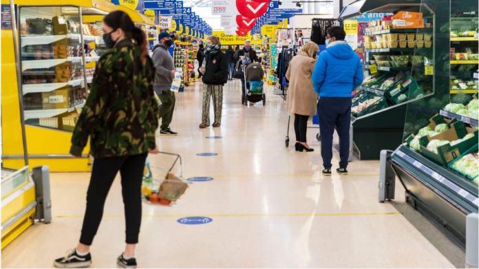 People return to supermarkets as online sales slow