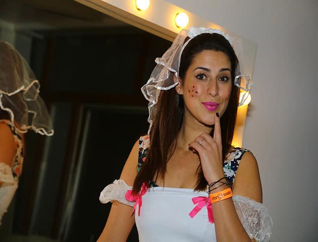 Fernanda Paes Leme se veste de noiva caipira e vira DJ por uma noite