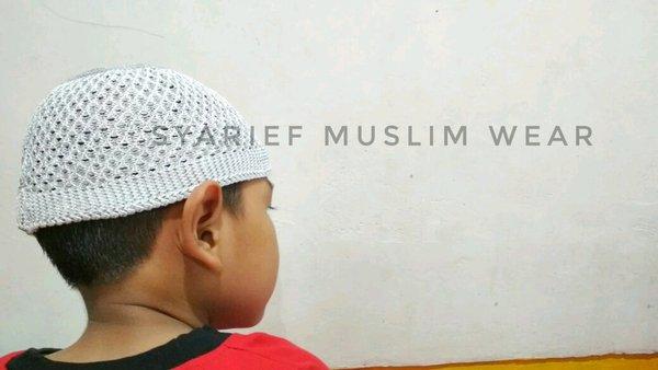 Peci Kopiah Rajut Murah Berkualitas Oleh-oleh Haji Umrah
