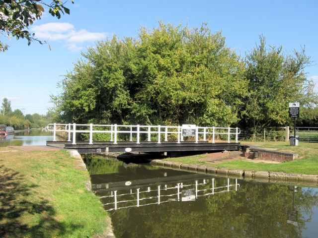 Image result for swing bridge 125 grand union canal