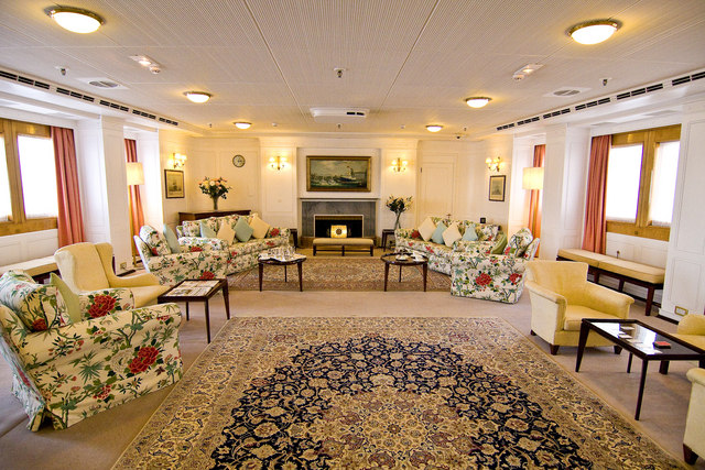 State rooms in the Royal Yacht Britannia © Copyright Alan Findlay and licensed for reuse under a Creative Commons Licence.