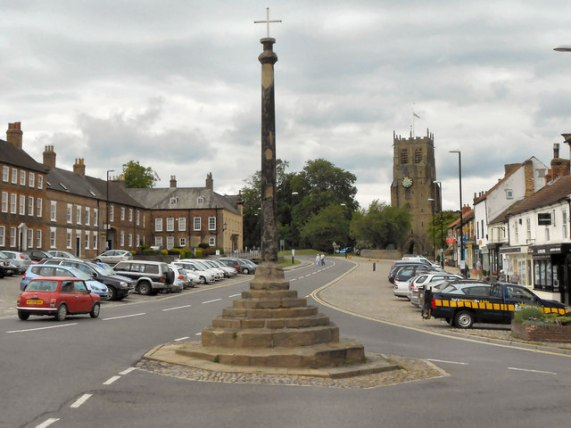 Bedale Market Cross © David Dixon cc-by-sa/2.0 :: Geograph Britain