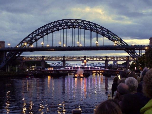 Showboat Newcastle Gateshead Bridges 169 Andrew Curtis