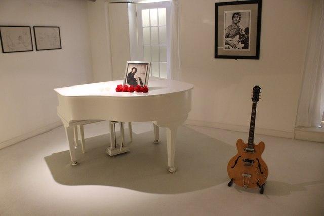 Imagine Exhibit At The Beatles Story 169 Jeff Buck