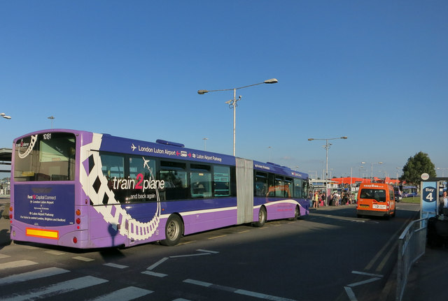 Bendy-bus at Luton Airport