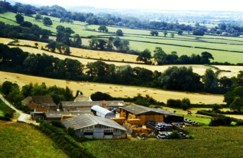 Upper Chalkley Farm, nr Hawkesbury, © Ray Bird :: Geograph