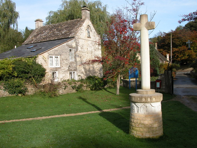 Cross in Avening churchyard (C) Philip Halling :: Geograph Britain