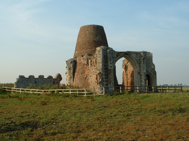 St Benets Abbey Gate Ian Russell Cc By Sa20