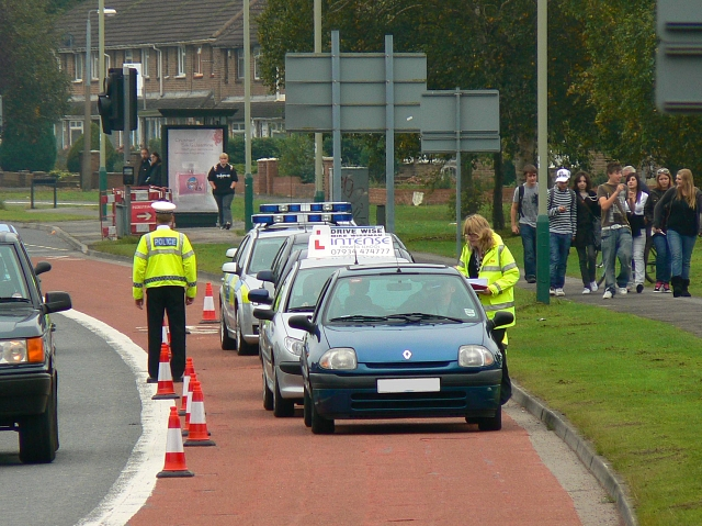 Police checkpoint, Queens Drive, Swindon (3)