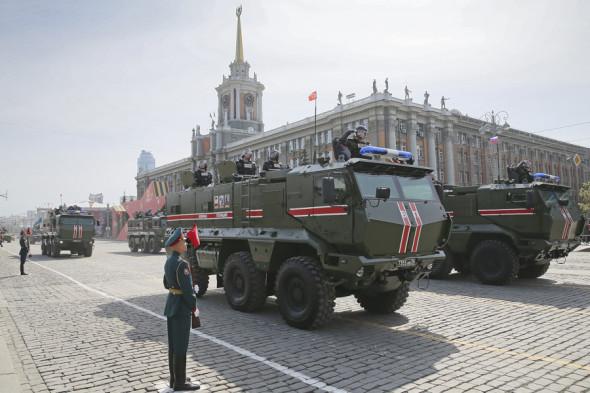 Бронеавтомобили «Тайфун-К» на военном параде в Екатеринбурге.