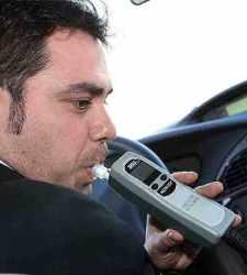 Los conductores españoles, a favor de endurecer las <b>multas por alcoholemia</b>