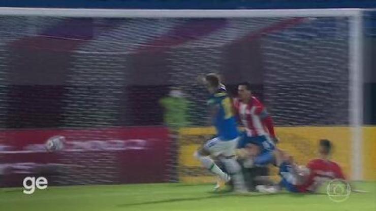 Aos 3 min do 1º tempo - gol de dentro da área de Neymar do Brasil contra o Paraguai