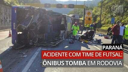 Vídeo mostra momento em que ônibus tombou na BR-376, em Guaratuba