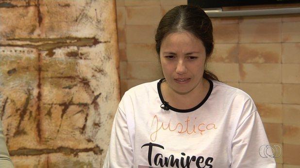 Mãe de adolescente esfaqueada diz que não vai esquecer imagem da filha morta