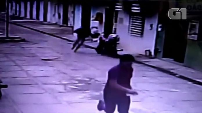 Vídeo mostra assalto à agência do Correios em Presidente Kennedy