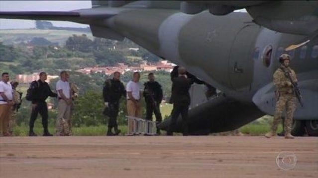 Presos de facção de São Paulo são transferidos para presídios federais