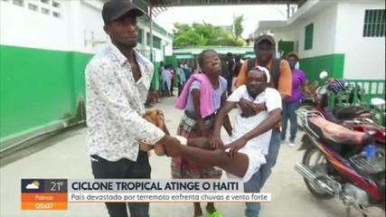 Ciclone tropical atinge o Haiti; país devastado por terremoto enfrenta chuvas e vento