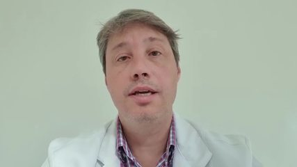 Professional emphasizes that self-medication is not the best option and that getting vaccinated against the Influenza virus is effective.  Video: Personal archive