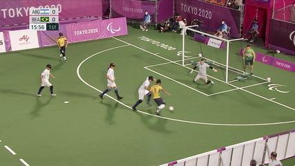 1st T: Paraná makes a nice move, cross kicks and hits the post- ARG 0 x 0 BRA
