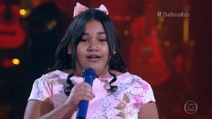 Izadora Rodrigues sings 'Fear Bobo'