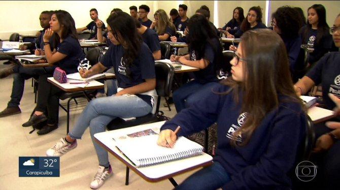 Aulas reforçam o aprendizado de jovens antes do primeiro emprego
