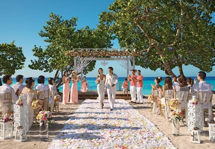 Dreams-Dominicus_Wedding_Beach_3A710.jpg