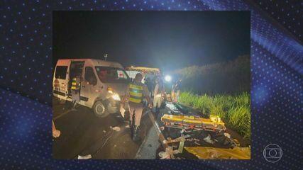 Sete pessoas morrem e 20 ficam feridas em acidente de ônibus no interior de SP