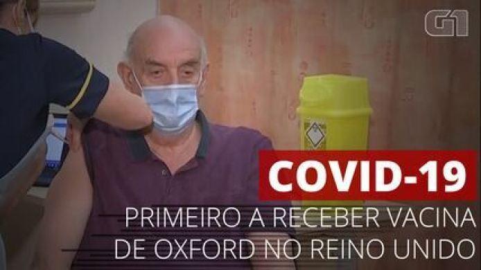 VÍDEO: Homem de 82 anos recebe primeira dose da vacina de Oxford, no Reino Unido