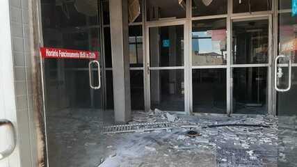 Agência bancária é depredada durante atentados em Manaus