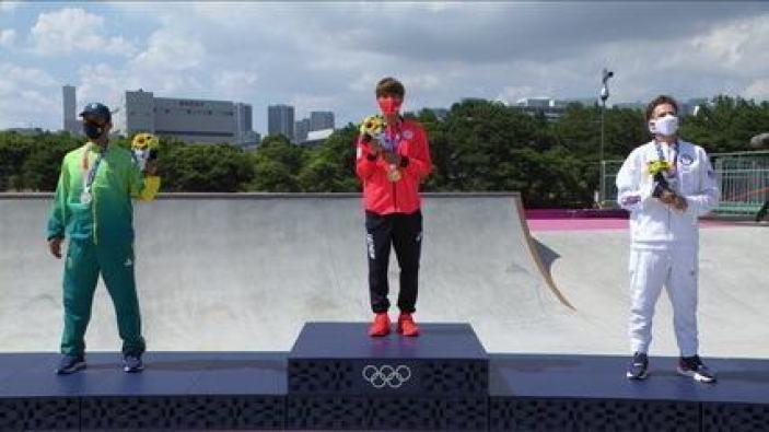 Kelvin Hoefler sobe no primeiro pódio da história do skate nos Jogos Olímpicos