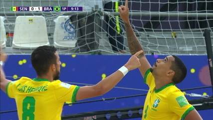 Goal of Brazil!  Mauricinho dribbles and leaves Rodrigo calm to score the first - 1st period