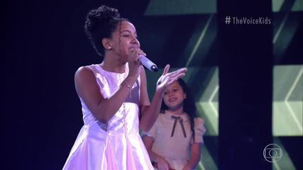 Isabelly Sampaio sings 'Desafinado'