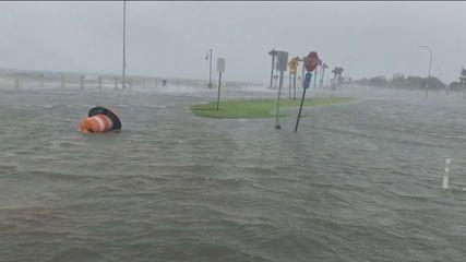 Hurricane Ida hits Louisiana coast in the US