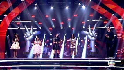 The audience saves a voice and Gaby Amarantos chooses a participant to follow on 'The Voice Kids'
