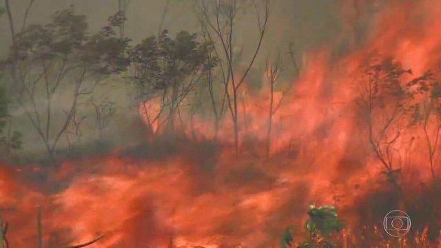 Bananal (SP) decreta estado de emergência por causa de incêndio na Serra da Bocaina