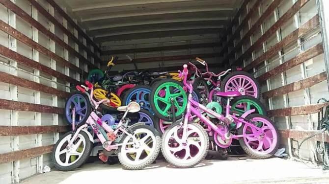 ONG faz mutirão para recuperar bikes quebradas e entrega para crianças no ABC