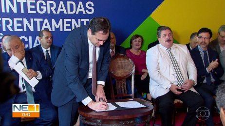 Image result for Pernambuco ganha lei para prevenir crimes e abre 30 mil vagas em cursos profissionalizantes para jovens