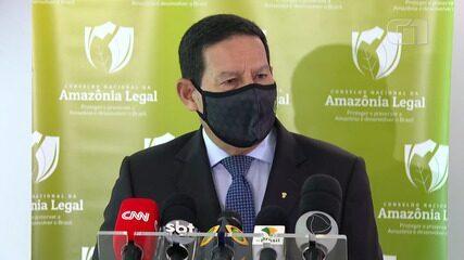 VÍDEO: 70% dos crimes ambientais na Amazônia 'ocorrem em 11 municípios', diz Mourão