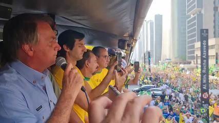 Bolsonaro ataca Alexandre de Moraes e diz que não cumprirá mais decisões do ministro