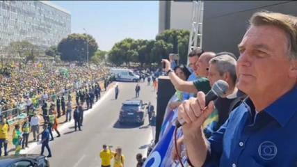 Juristas afirmaram que o presidente Bolsonaro afrontou a Constituição