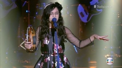 See Helloysa do Pandeiro's performance