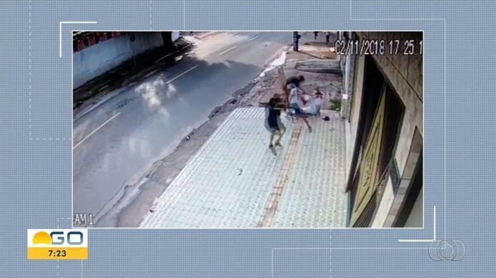 Polícia colhe depoimento de suspeitos de agredir torcedor do Vila Nova-GO em Goiânia