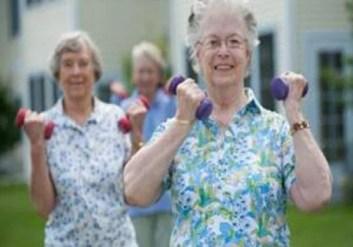 sports_old_597457920 تمارين رياضية ضرورية لتقوية المناعة لدى كبار السن sport