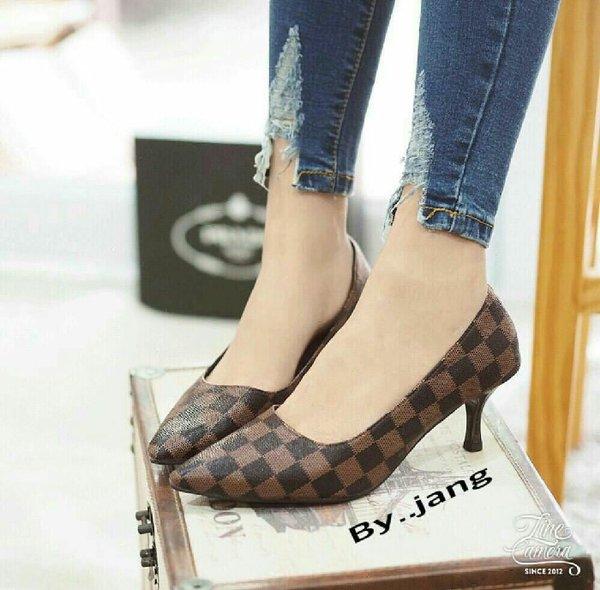 Sepatu Heels Wanita HE3932