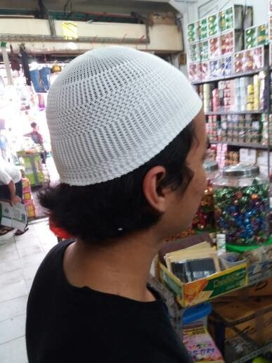 Best Seller Peci Rajut Putih Polos . Kopyah Murah Grosir Oleh Oleh Haji Paket Dijamin Enak