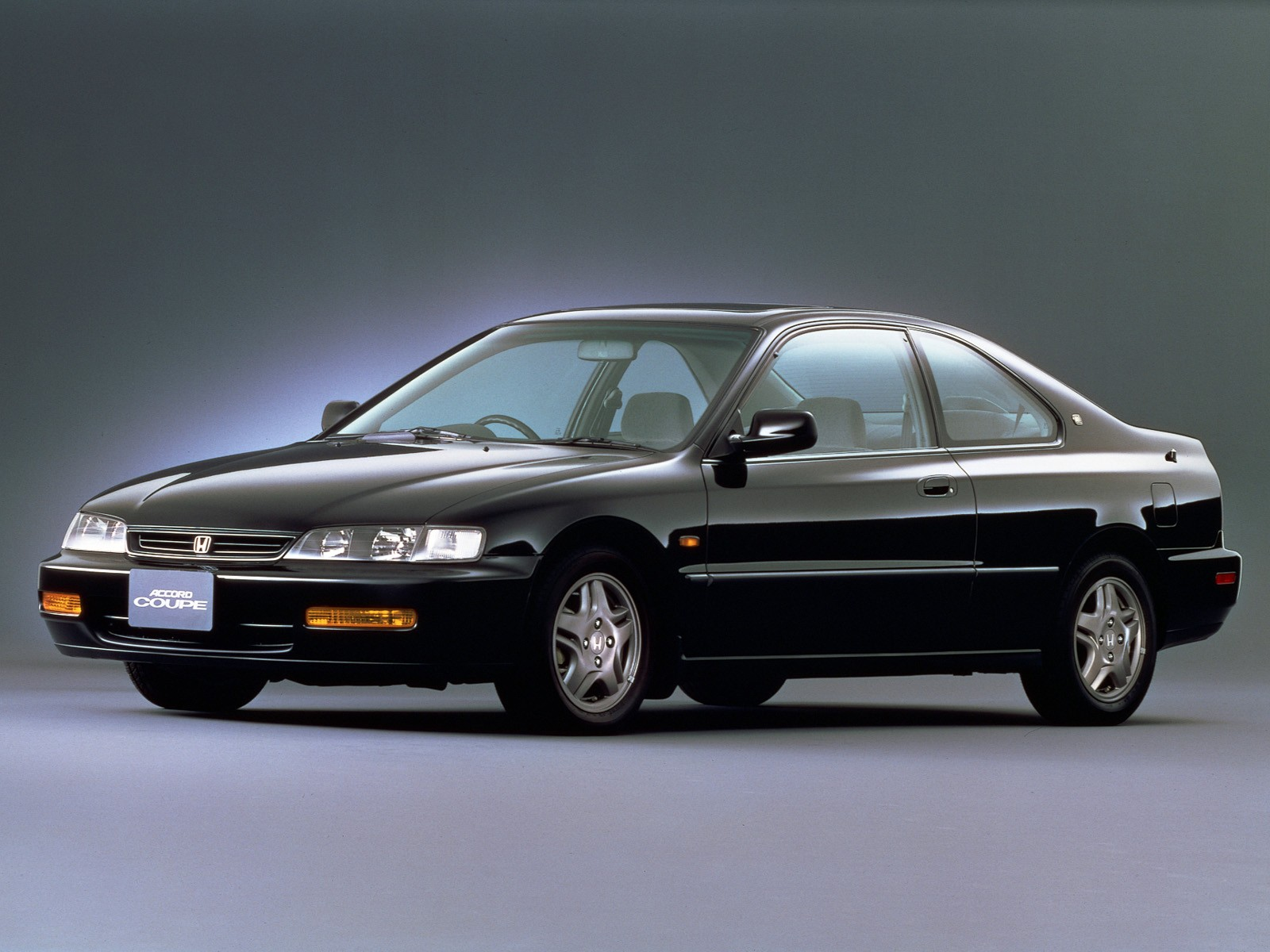 Honda Accord Coupe Specs Amp Photos 1994 1995 1996 1997