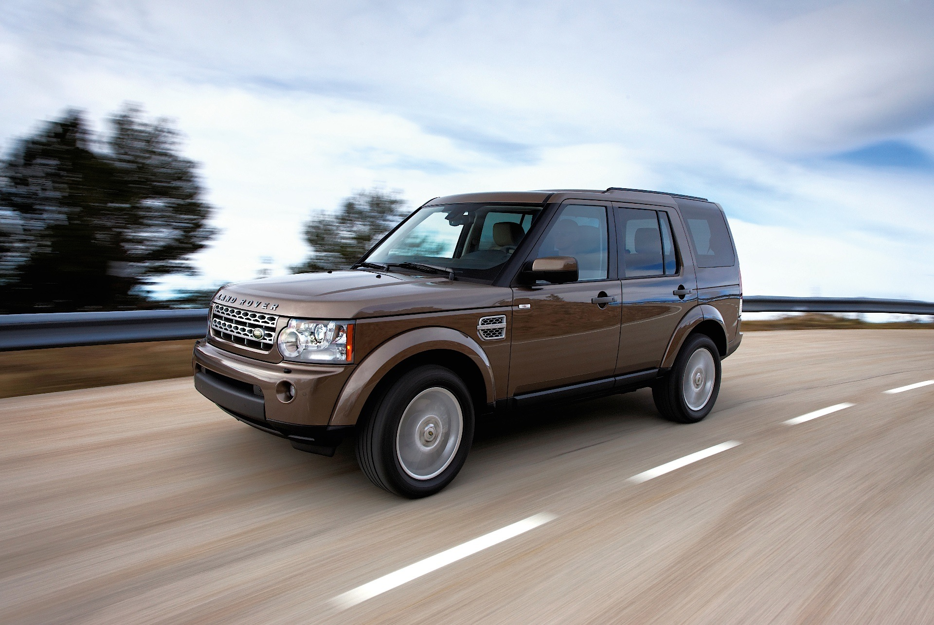 LAND ROVER Discovery LR4 specs 2009 2010 2011 2012 2013